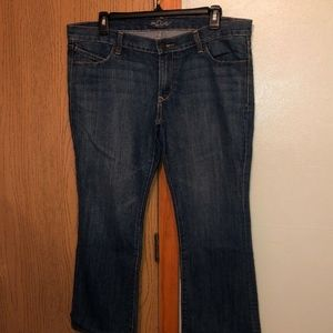 """Old Navy """"Diva"""" Size 12 Short Bootcut Jeans - EUC"""